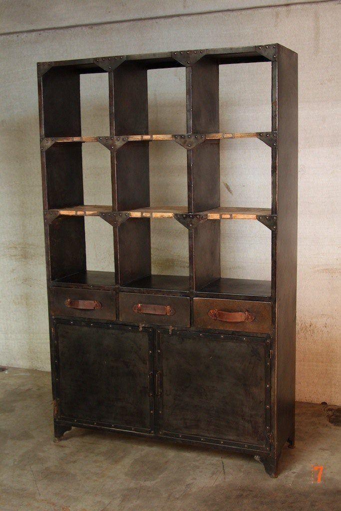 grand vaisselier industriel. Black Bedroom Furniture Sets. Home Design Ideas