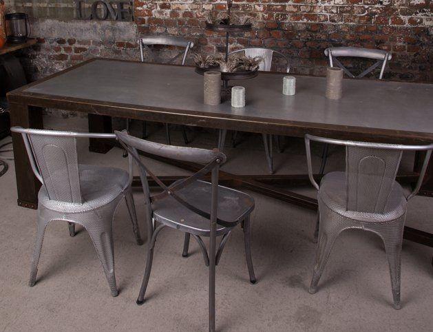 Table de salle manger industrielle en plomb - Salle a manger industrielle ...