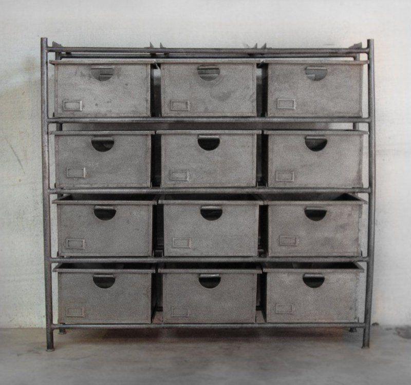 Etagère industrielle à larges casiers