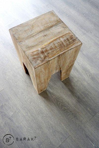 Pouf en bois