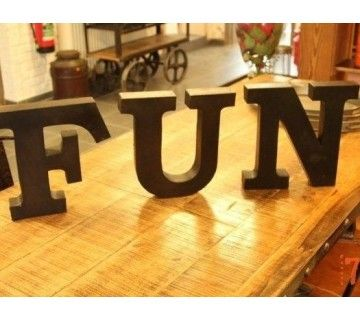 "Lettres industrielles ""FUN"" (3 letters packed in a box)"