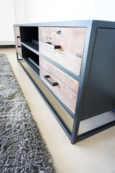 Meuble TV industriel - Recycled