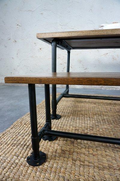 Table industrielle en tuyau de plomberie