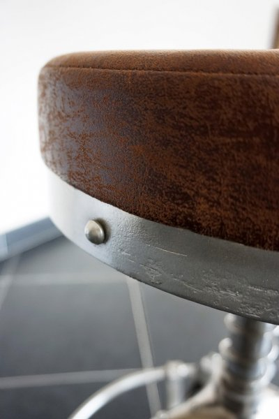 Tabouret industriel cuir