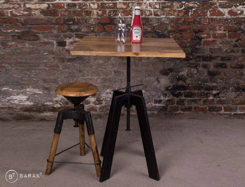 Table restaurant style industriel