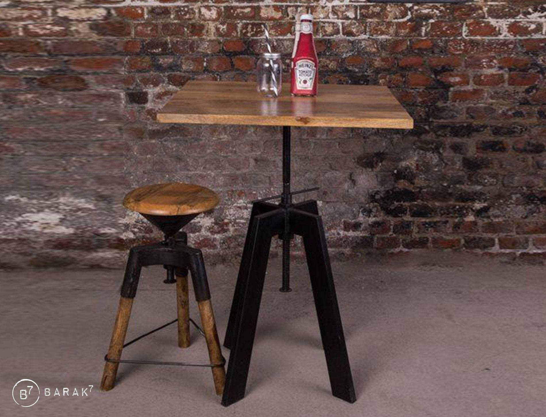Table restaurant style industriel