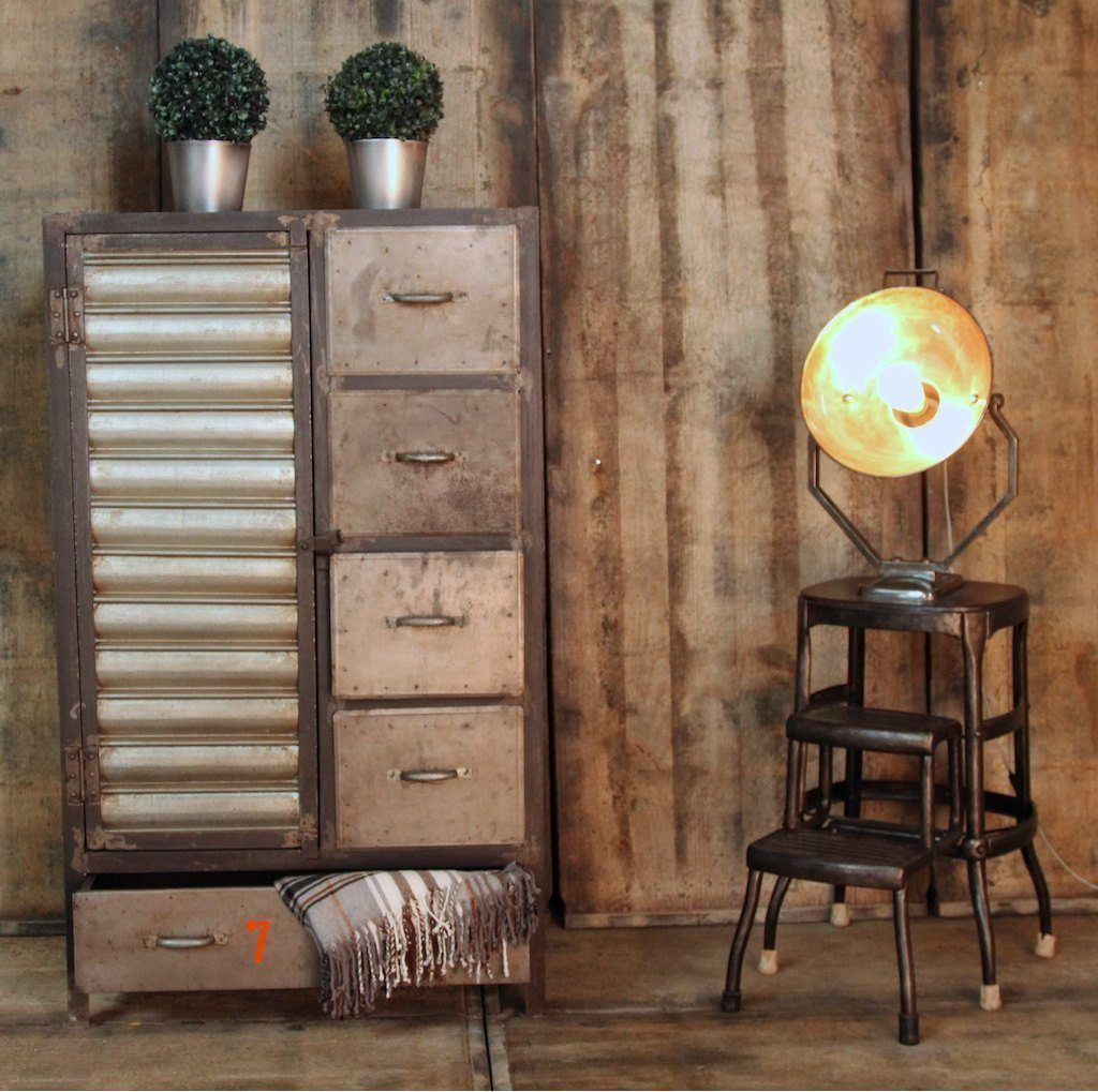 Meuble Industriel Buffet Industriel De Finition Antique Naturelle