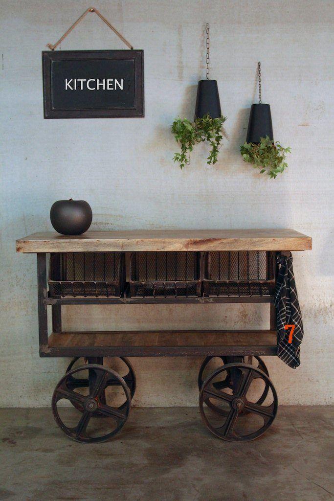 D sserte industrielle meuble industriel id al pour cuisine - Roulette industrielle pour meuble ...