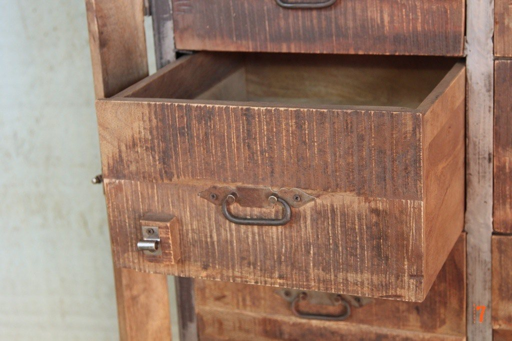 Industrial chest of drawers in wood and metal