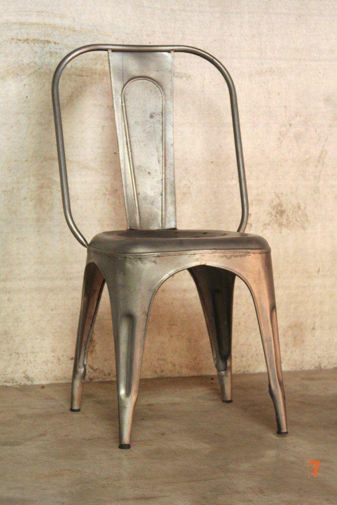 Chaise industrielle m tallique classique - Chaises industrielles metal ...