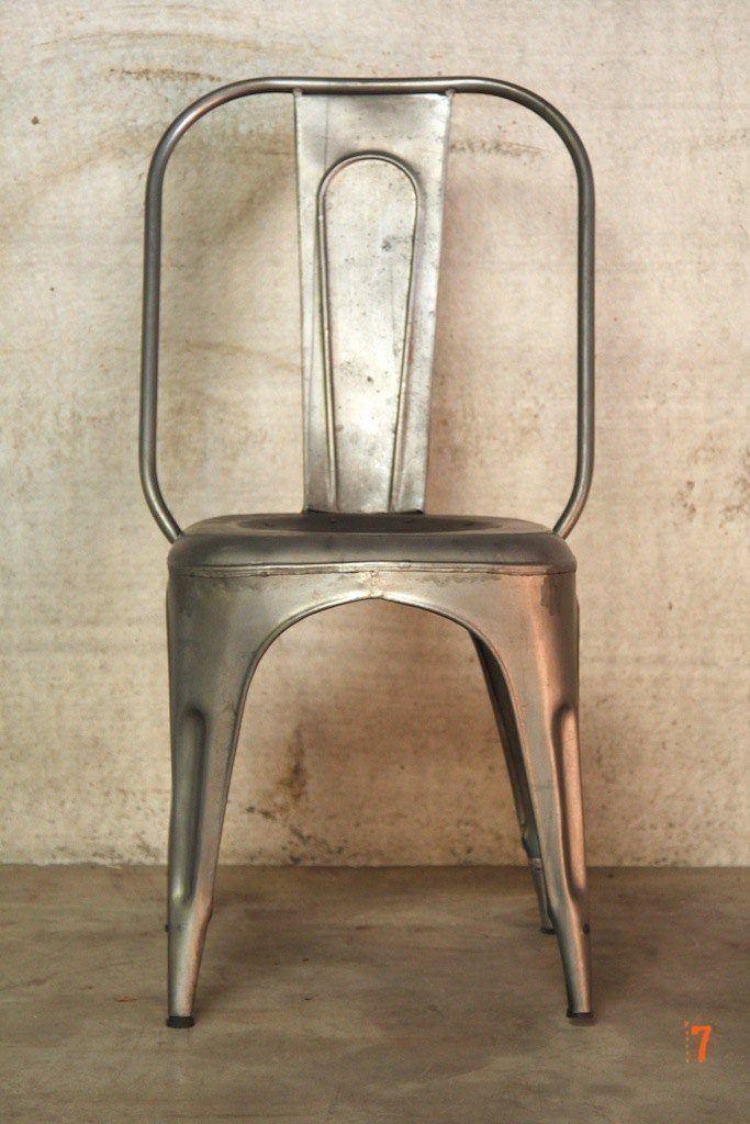 chaise industrielle m tallique classique. Black Bedroom Furniture Sets. Home Design Ideas