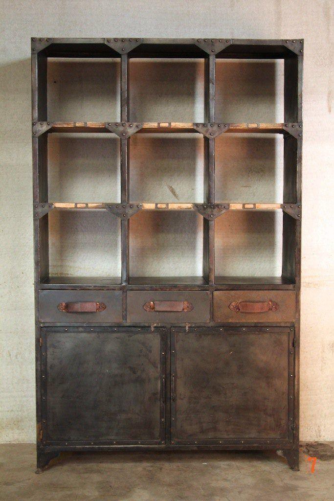 Vaisselier industriel meuble industriel de salle manger for Meuble etagere style industriel