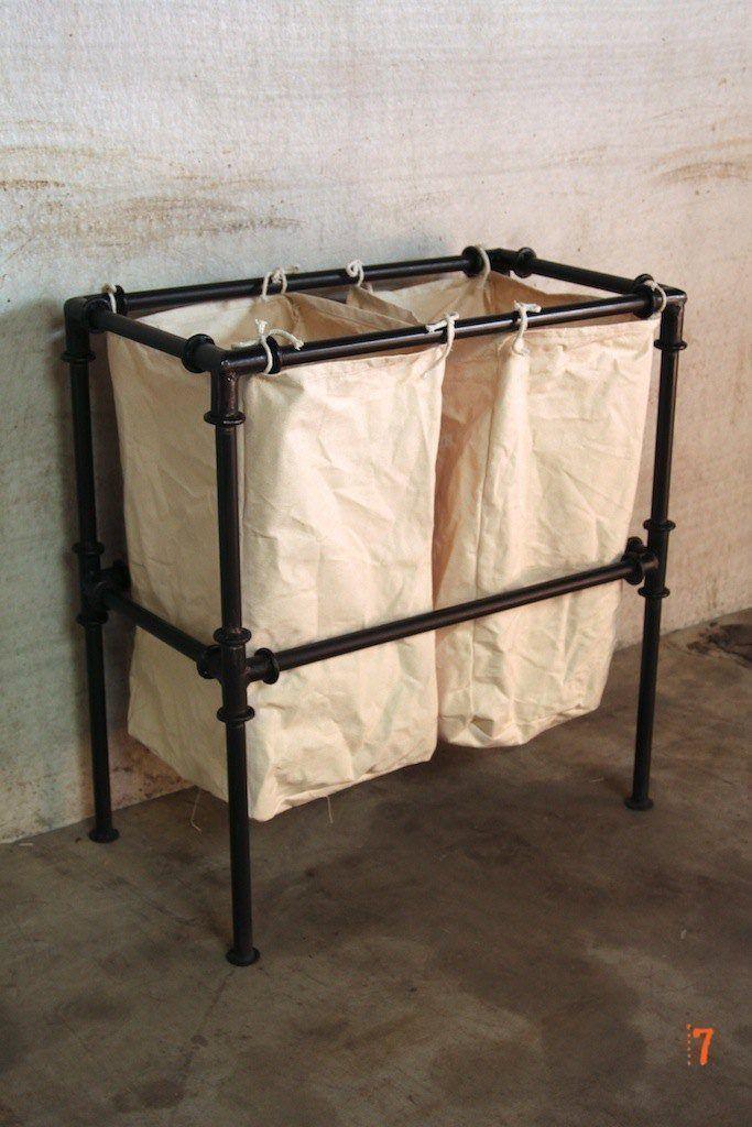panier linge de style industriel meuble industriel. Black Bedroom Furniture Sets. Home Design Ideas