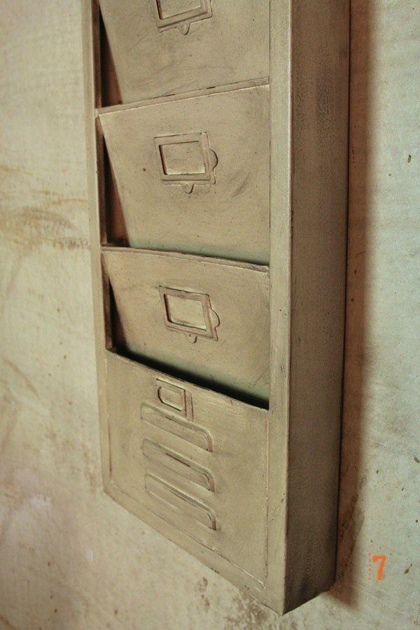 Industrial furniture silver metal industrial style - Porte revue mural metal ...