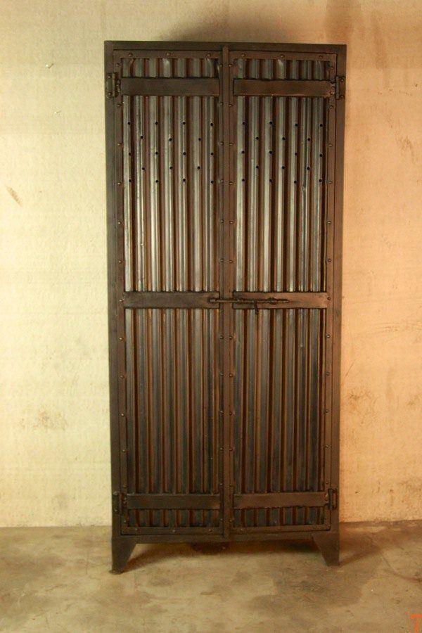 Industrial 2-door corrugated metal locker