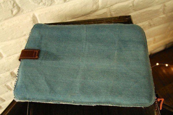 Vintage style jeans iPad case