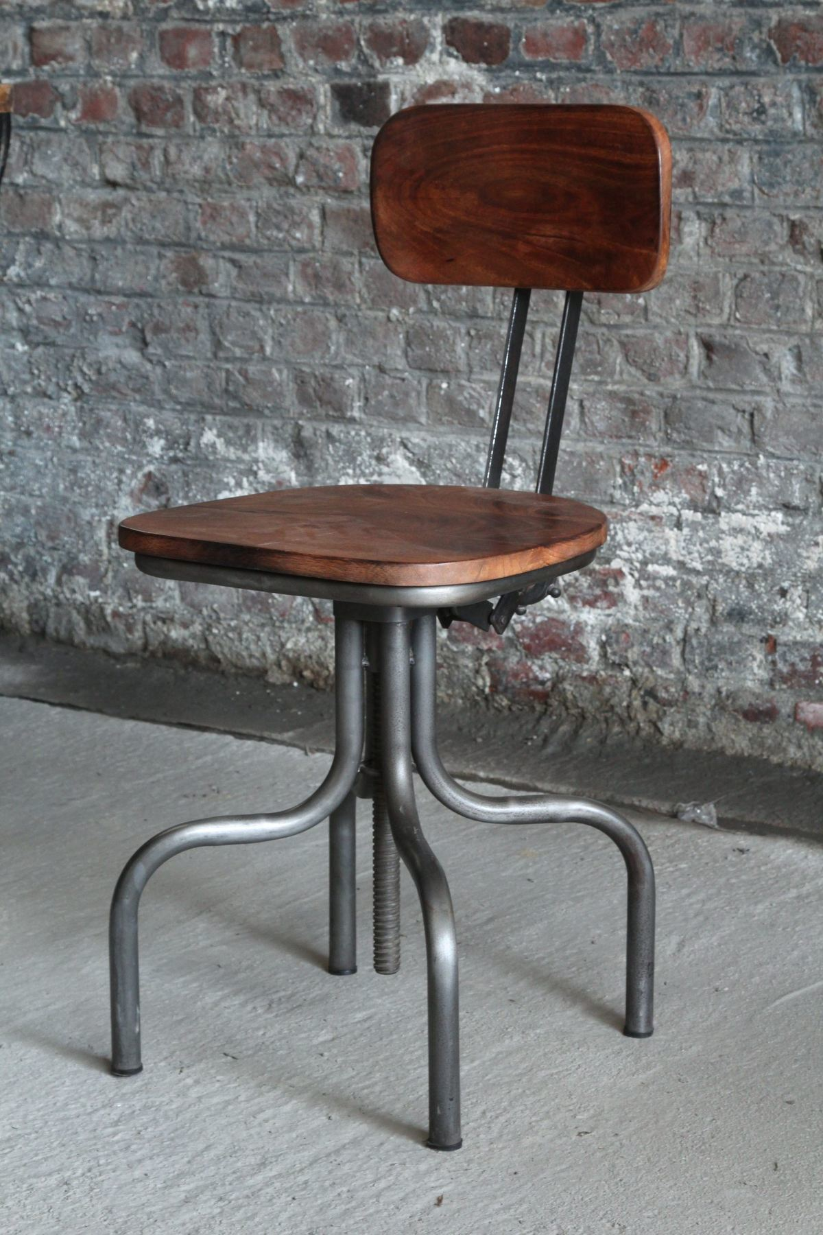 Industrial adjustable architect chair