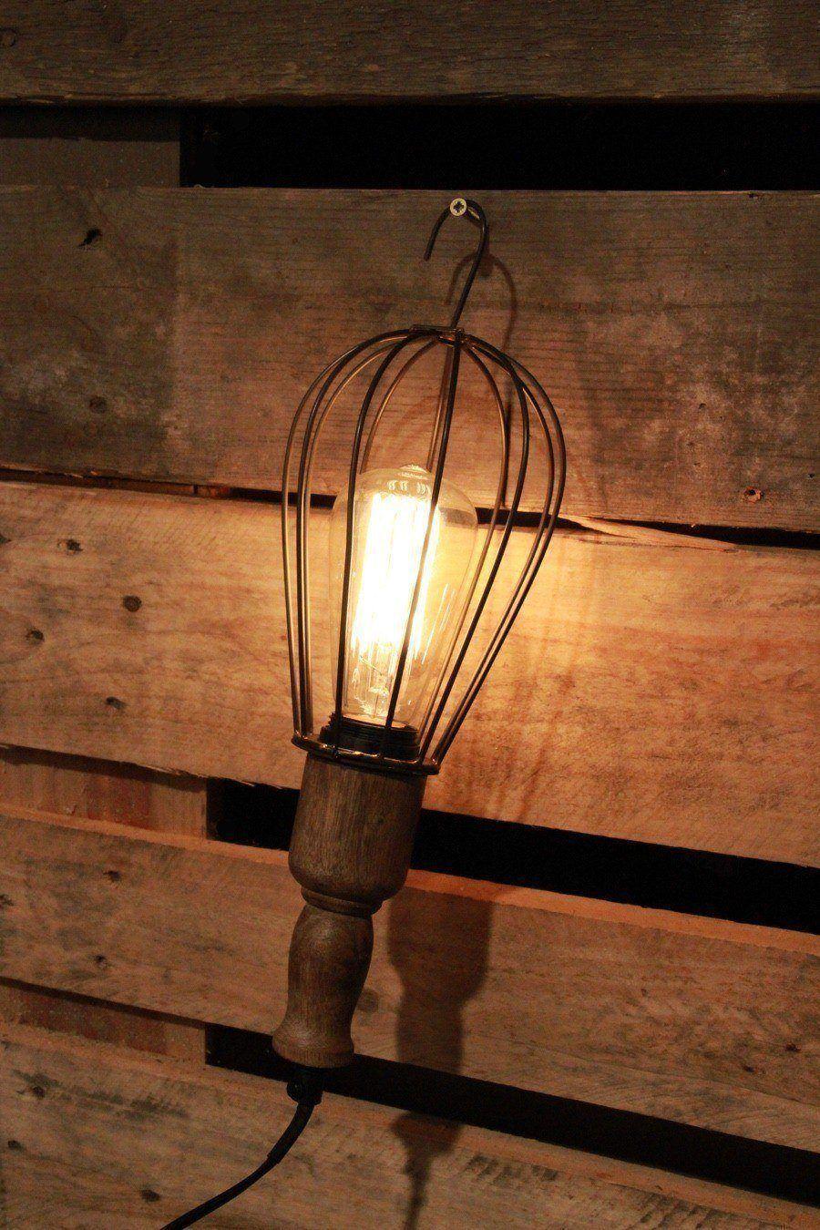 Lampe baladeuse de style industriel for Lampe sur pied style industriel