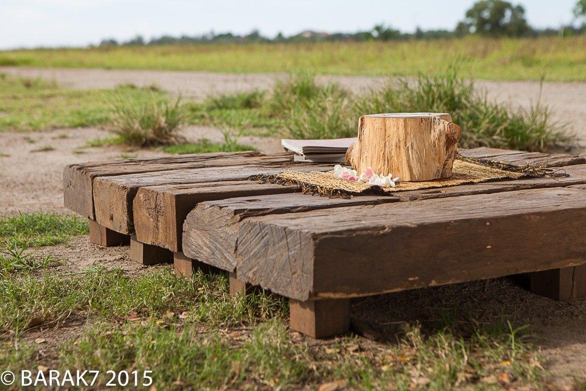 Table basse en traverse de chemin de fer recyclé