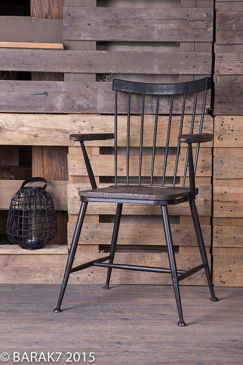 Chaise industrielle bois metal avec accoudoirs de b a r a for Chaise design industriel