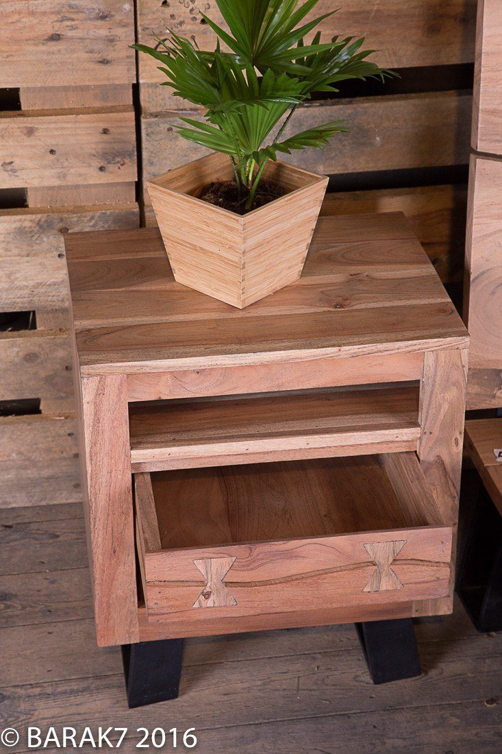 Industrial furniture bedside acacia table urban jungle - Table basse original ...