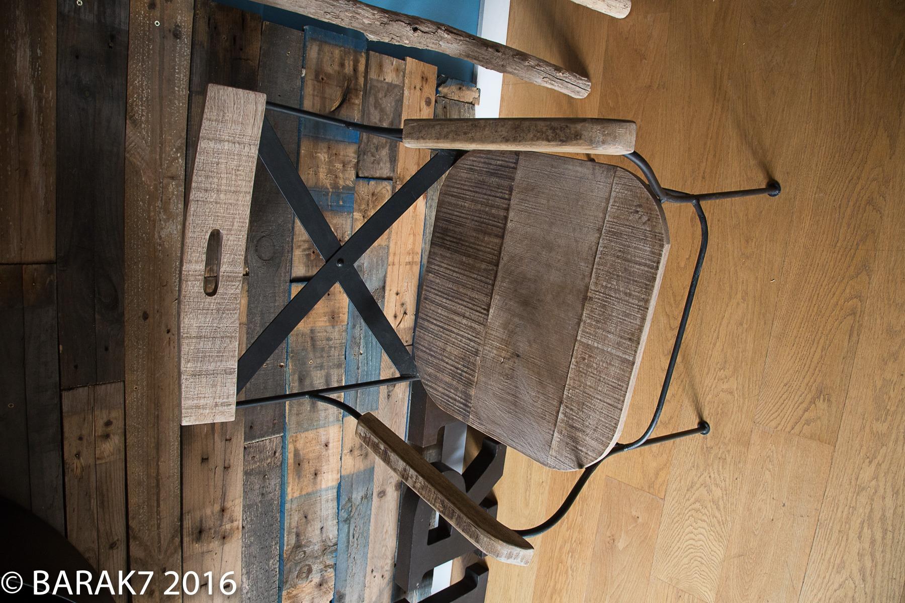Chaise industrielle bois et métal croisillons Colombus