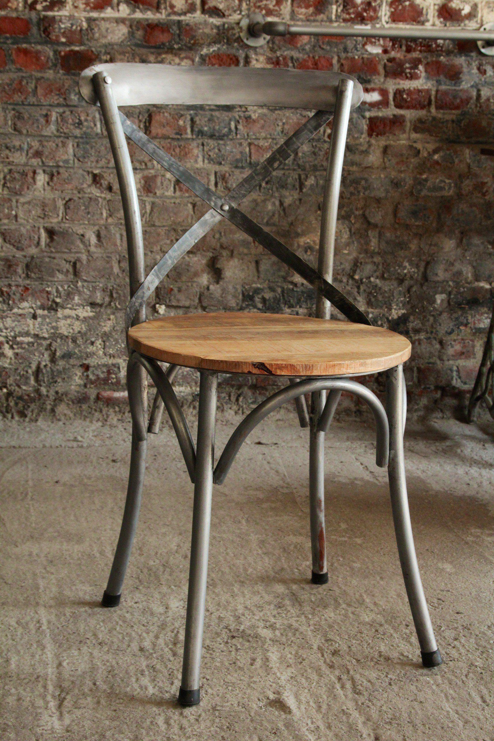 Industrial furniture bistro chair in wood and metal for Table bois metal