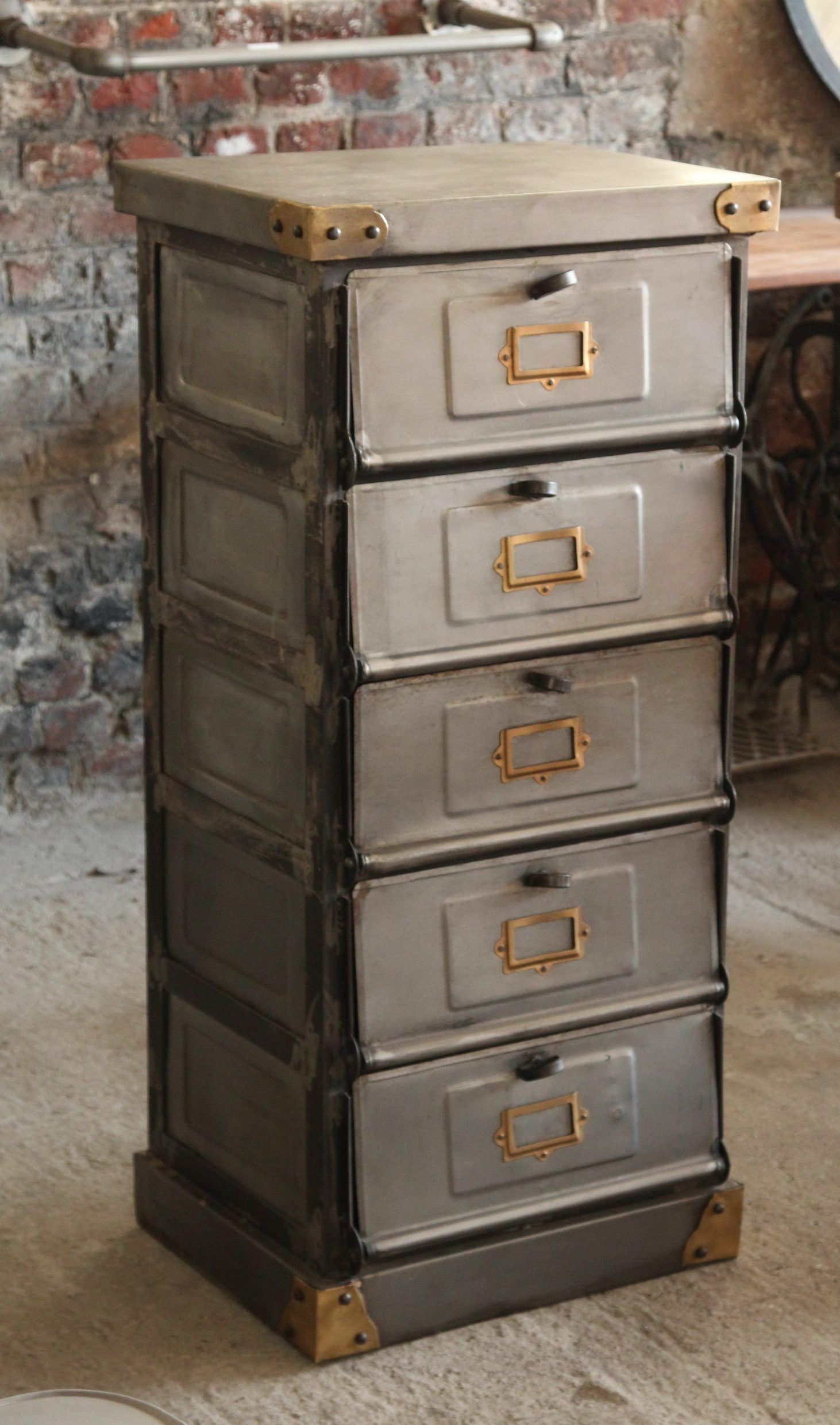 Industrial sorting cabinet