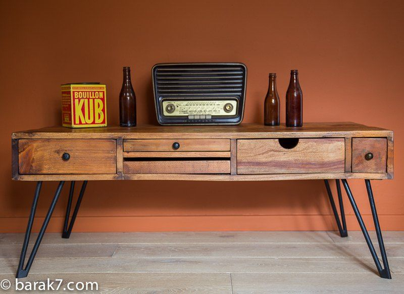 Industrial coffee table with Scandinavian inspiration