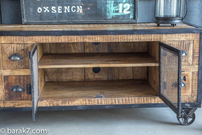 Industrial furniture industrial tv stand with 6 drawers for Meuble tv bois metal