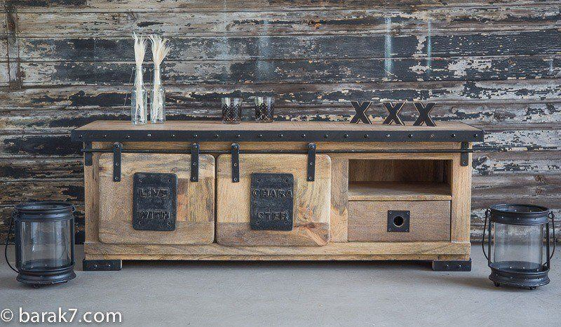 "Industrial TV stand ""Live with character"""