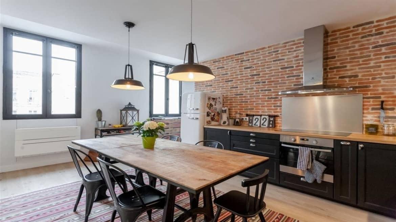 comment instaurer le style industriel dans sa salle manger. Black Bedroom Furniture Sets. Home Design Ideas