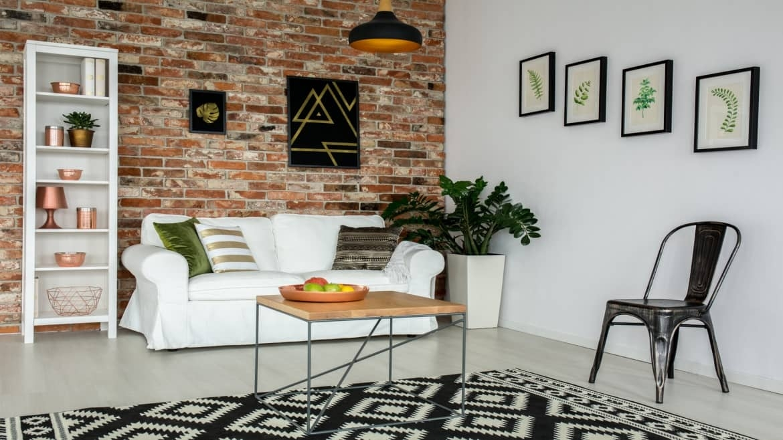 Marier styles industriel et scandinave dans le salon : les clés du succès